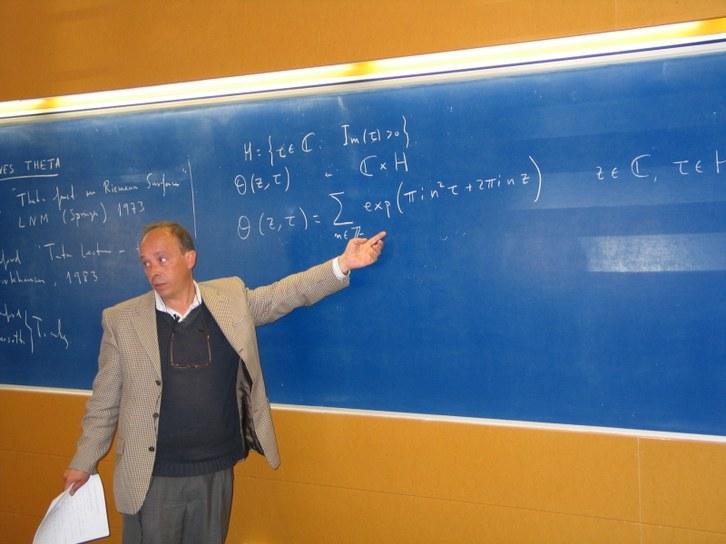 080402_conferencia_munoz_porras_1.jpg