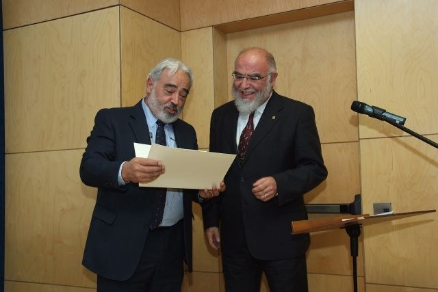 081114_magister_honoris_causa_jaume_pages_4.JPG