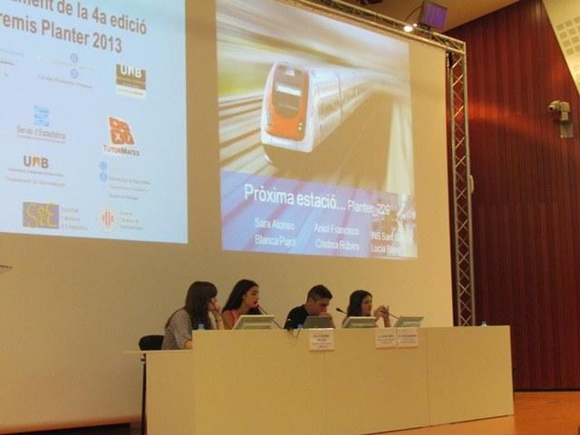 Presentació del treball guanyador premi Any Internacional de l'Estadística Pròxima estació