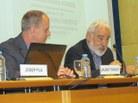 El professor Sebastià Xambó presenta el primer ponent, el professor Josep Pla